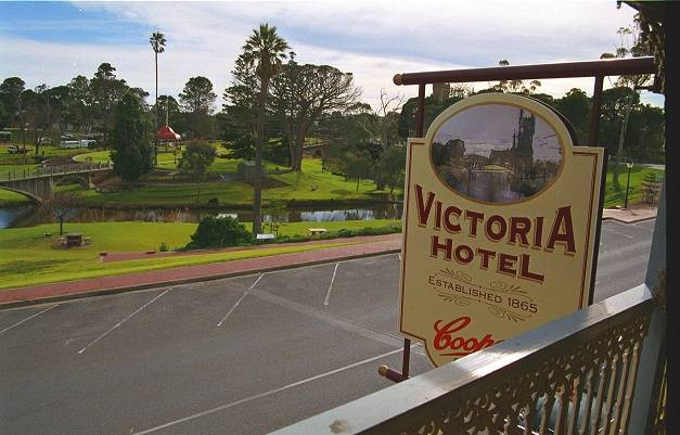 Victoria Hotel - Whitsundays Accommodation