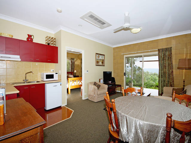 Wallaby Ridge Retreat - Whitsundays Accommodation