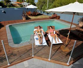 Waikiki Beach Bed and Breakfast - Whitsundays Accommodation