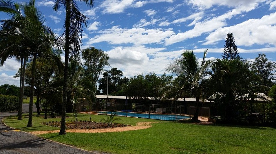 Farmgate Backpackers - Whitsundays Accommodation