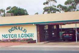 DONALD MOTOR LODGE - Whitsundays Accommodation