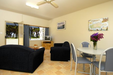 Island Coastal Units - Whitsundays Accommodation