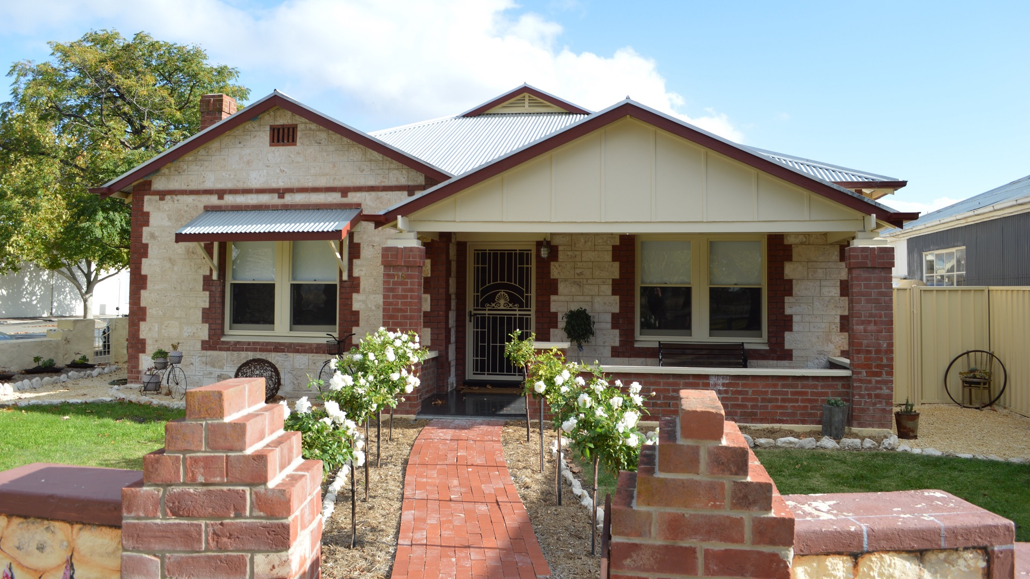 Two Cow Cottage Bed and Breakfast - Whitsundays Accommodation