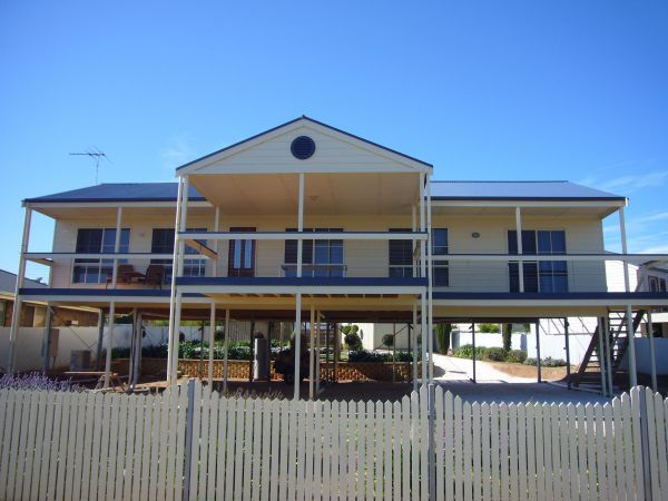 Century 21 SouthCoast LaScala Skies - Whitsundays Accommodation