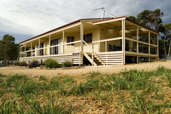 Allusion Cottages - Whitsundays Accommodation