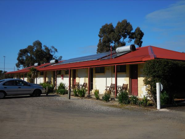 Inglewood Motel And Caravan Park - Whitsundays Accommodation