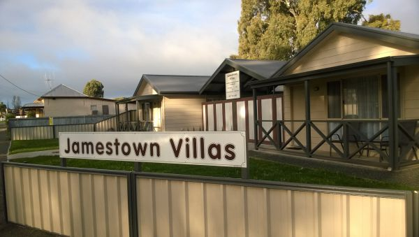 Jamestown Villas - Whitsundays Accommodation