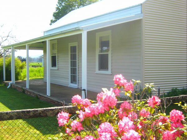 Orange Tree Cottage - Whitsundays Accommodation