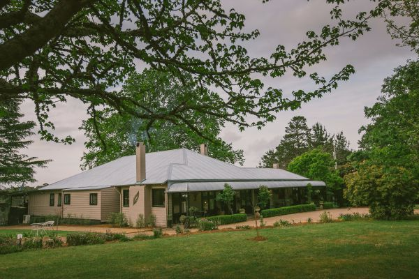Sylvan Glen Country House - Whitsundays Accommodation