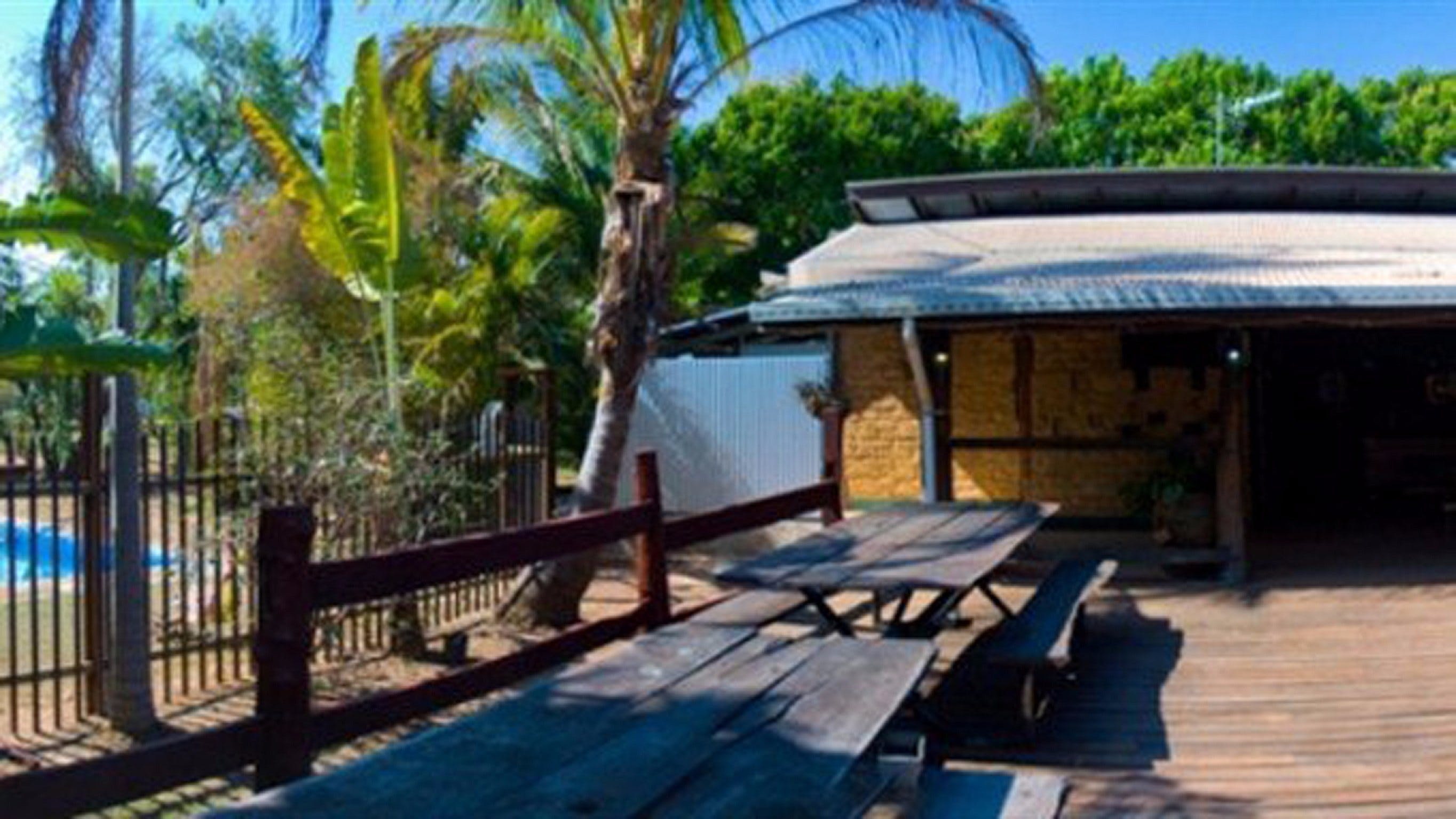 Lazy Lizard Caravan Park - Whitsundays Accommodation