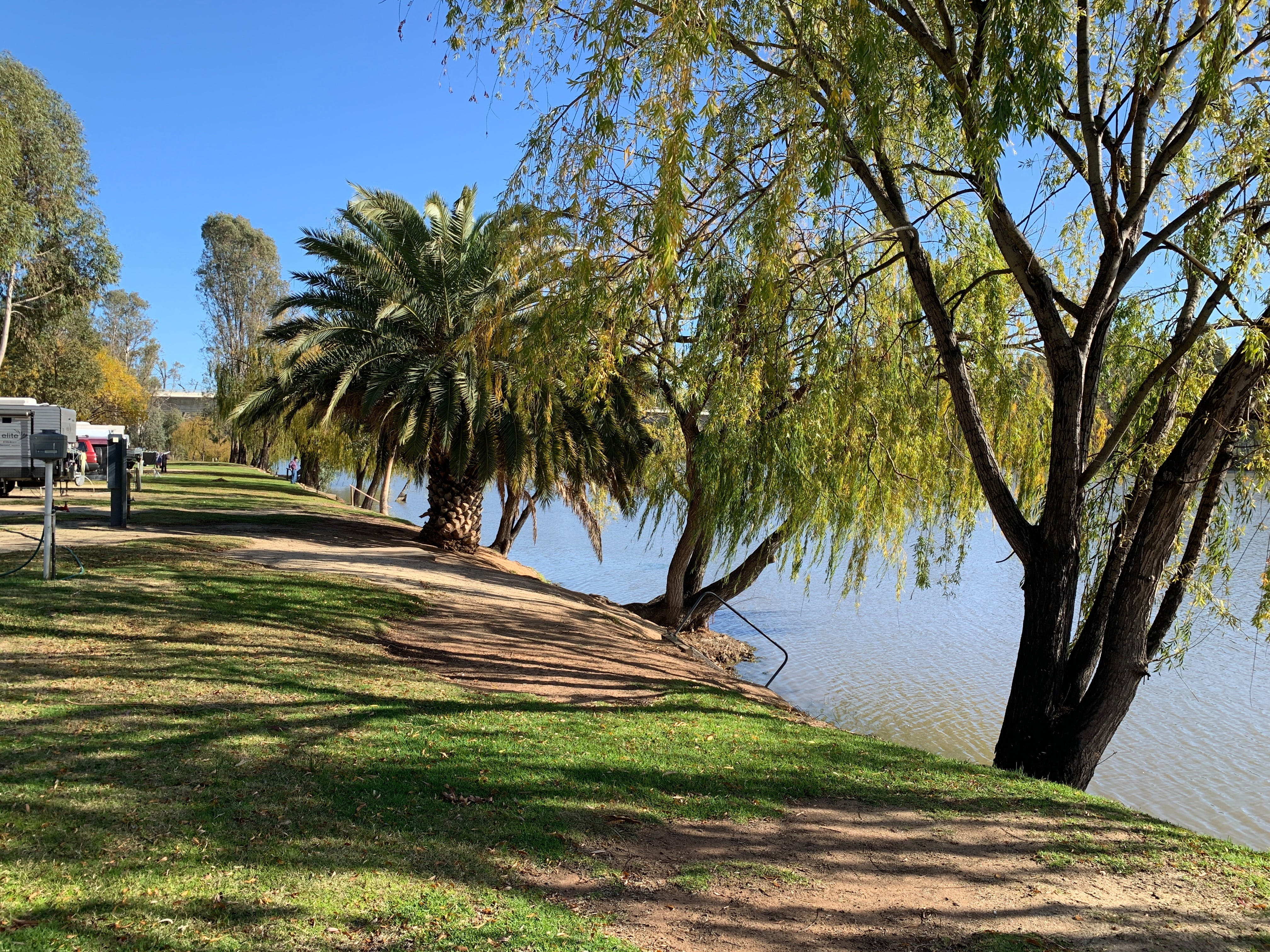 Robinvale Riverside Caravan Park - Whitsundays Accommodation