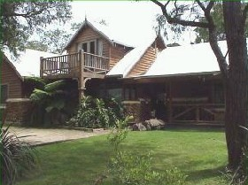 William Bay Country Cottages - Whitsundays Accommodation