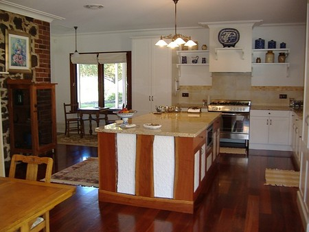 Poplar Cottage Bed And Breakfast - Whitsundays Accommodation