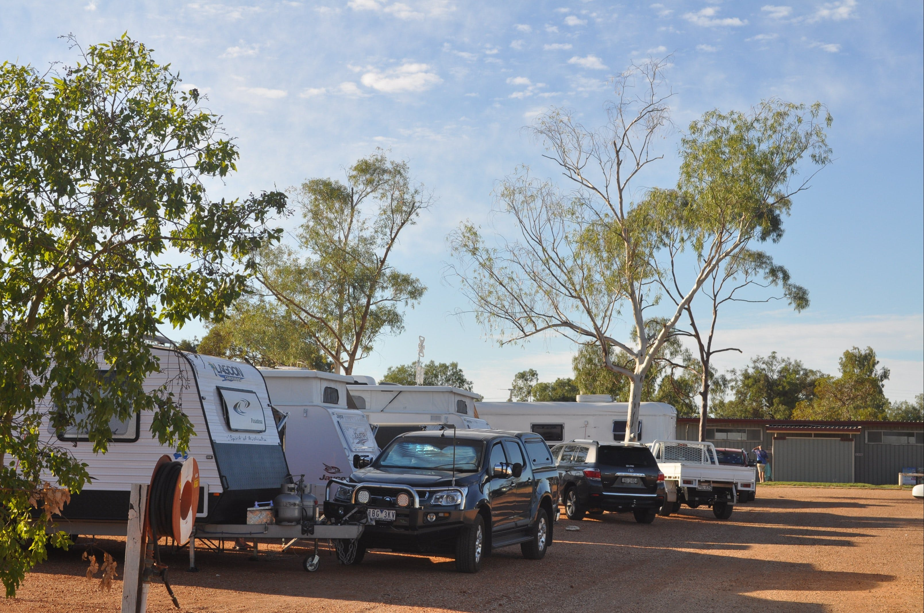 Lightning Ridge Holiday Park - Whitsundays Accommodation