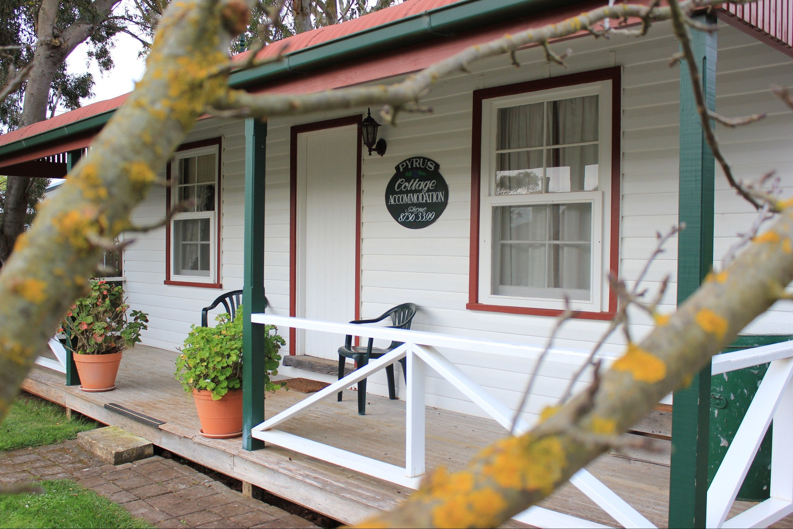 Coonawarra's Pyrus Cottage - Whitsundays Accommodation