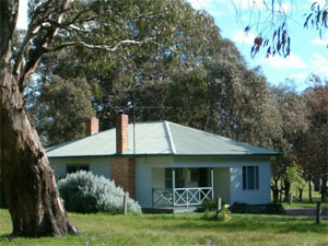 South Mokanger Farm Cottages - Whitsundays Accommodation