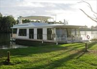 Cloud 9 Houseboats - Whitsundays Accommodation