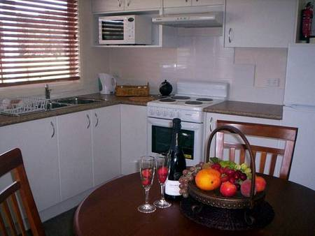 Prom Port Cottages - Whitsundays Accommodation